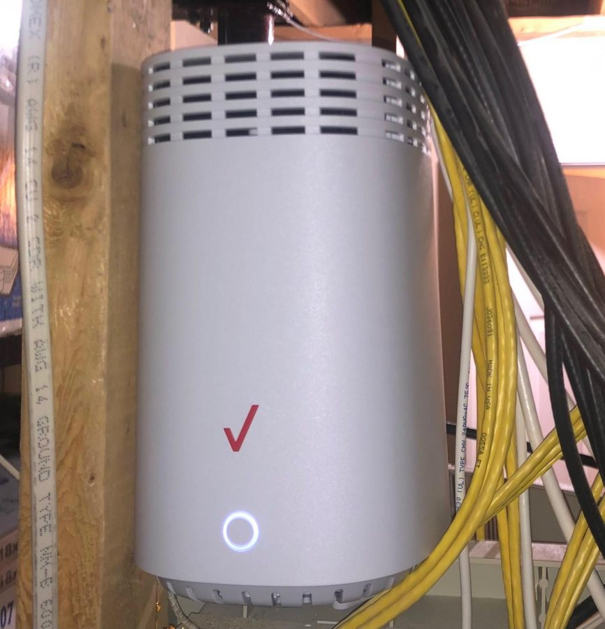 An example of a Verizon router. (Photo by Tamara Nguyen)